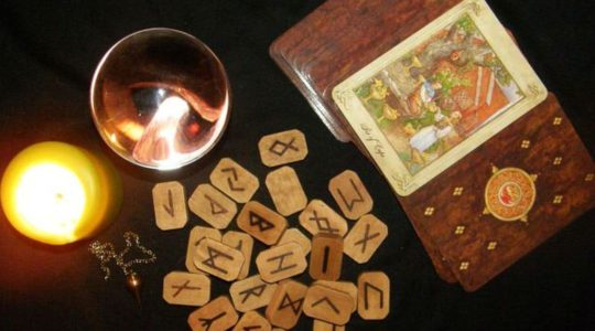Tarotová hrátka: Minulé životy